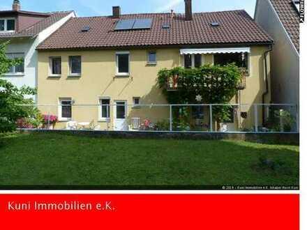 Einfamilienhaus mit Einliegerwohnung und Praxis in Ludwigsburg-Stadtmitte.