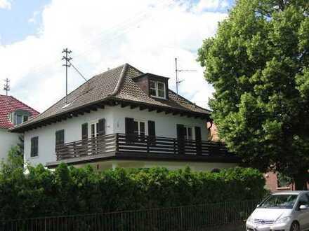 Schwetzingen Oststadt: Wunderschöne freistehende Villa in TOP Zustand