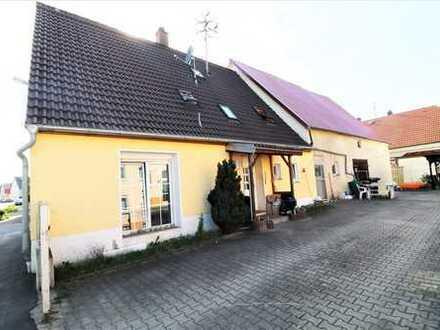 ***Gepflegtes Einfamilienhaus mit großer Scheune in Niederstotzingen***