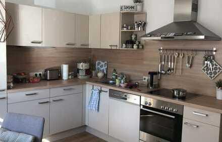 Gepflegte 2-Zimmer-Erdgeschosswohnung mit Terrasse und Einbauküche in Großostheim