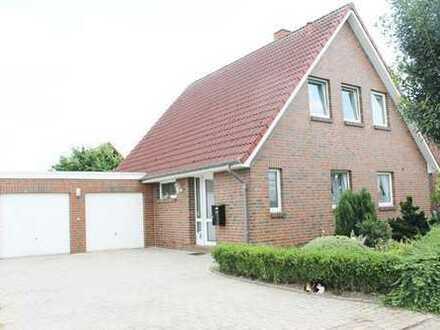 Einfamilienhaus mit Doppelgarage. ruhige Wohnsiedlung