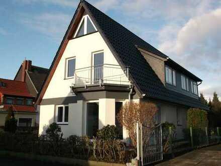 Frisch renovierte 4 Z. Maisonette-Wohnung in Burgdamm
