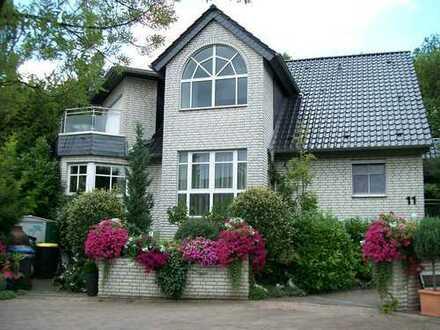 Provisionsfrei- Wunderschönes und freistehendes Haus, nur einen Sprung von Düsseldorf entfernt