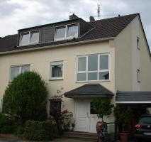 helle, freundliche 1-Zimmer-Dachgeschosswohnung mit EBK , vollmöbliertt