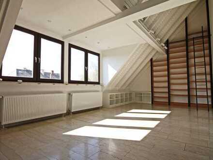 Luxus-Atelier mit Kamin Nähe Hess. Rundfunk