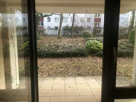 Stilvolle, gepflegte 3-Zimmer-Wohnung mit Balkon und EBK in Karlsruhe