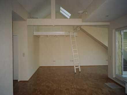 Helles Dachgeschoß - Großzügig - Modern