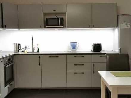 Modernisierte und möbilierte 2-Raum-Wohnung mit Balkon und EBK in Köln-Altstadt & Neustadt-Nord