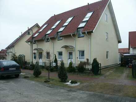 Schöne Doppelhaushälfte im Grünen in Friedersdorf