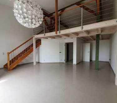 Einzigartige moderne Galeriewohnung mit Balkon,Fußbodenheizung in grüner ruhiger Lage