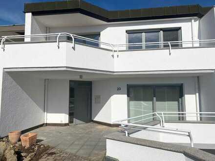 Vollständig renovierte Doppelhaushälfte mit fünf Zimmern und EBK in Friedrichshafen, Ailingen