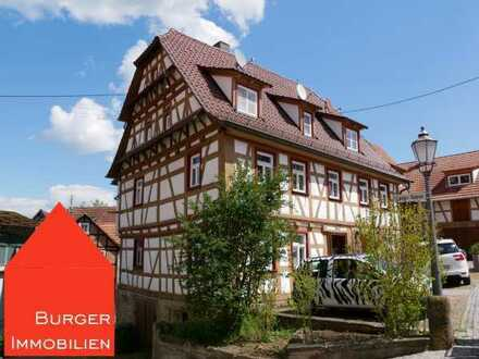 Altes Fachwerk für junges Leben – schöne 2-Zimmer EG-Wohnung im Herzen von Ötisheim
