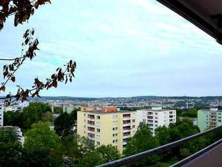 Schön geschnittene und helle 2-Zimmer Wohnung auf dem Pforzheimer Haidach mit Blick über die Stadt