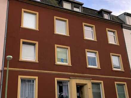Solide Kapitalanlage - nachhaltiger Ertrag: Schöne Dachgeschosswohnung in Essen-Frintrop