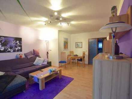 Gepflegt, modern und gut geschnittene 3-Zimmer-Wohnung mit großer Loggia in zentraler Lage