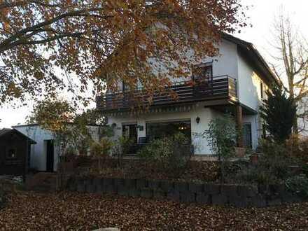Schönes freistehendes Haus
