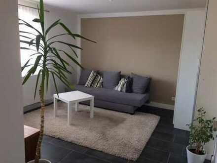 Neuwertige, voll möblierte 1-Zimmer-Einliegerwohnung in Weissach