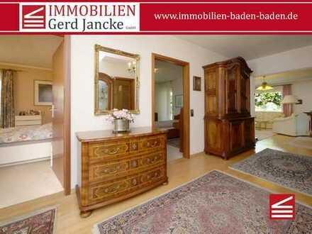 Baden-Baden Innenstadt, sehr gut geschnittene 4-Zimmer-Wohnung in Halbhöhenlage mit Balkon & Loggia!