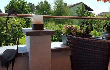 großzügige helle Penthaus Wohnung in Teublitz