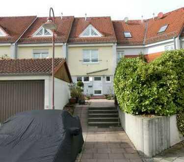 Heppenheim! **Schönes Reihenmittelhaus mit Garten in ruhiger Lage**