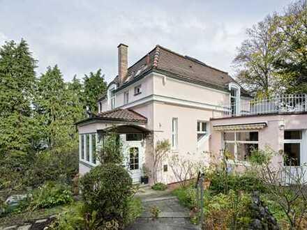 Freistehende Altbauvilla in Toplage