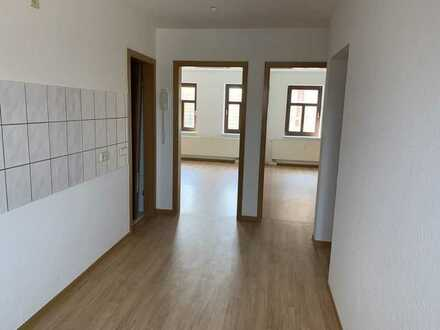 helle 2 Zimmer-DG-Whg. in Zentraler Lage von Wurzen* 2 gr. Zimmer* 2Bad m.Wanne* sep. Küche
