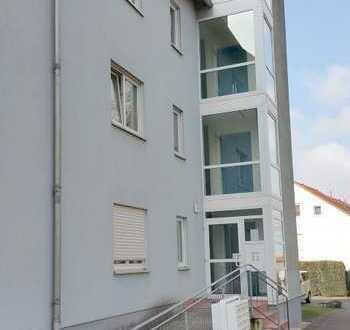 Investieren und ca. 5,3 % Rendite kassieren: Vermietete, gemütliche Dachgeschosswohnung in Altenburg