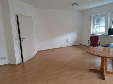 300.0 € - 50.0 m² - 1.0 Zi.