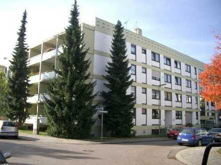 Attraktive möblierte 2-Zimmer-Wohnung mit großer Terrasse Nähe U-Bahn-Station U5
