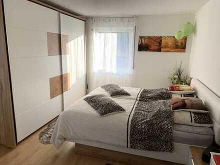 Gepflegte 2 Zimmer Wohnung mit Balkon und Garage
