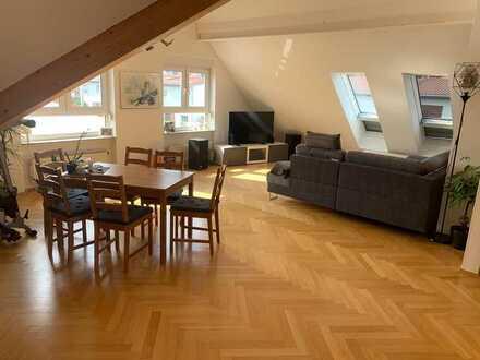 Moderne und helle 3 Zi-Dachgeschosswohnung in Hofheim nähe Kreishaus