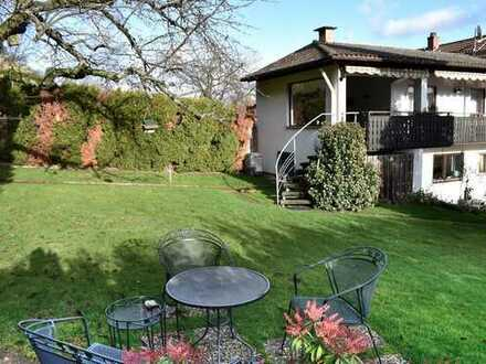 Zweifamilienhaus in sehr schöner Randlage von Neustadt-Gimmeldingen
