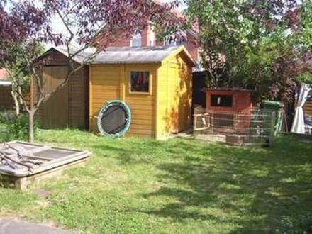 Für die kleine Familie ideal - Haus in ruhiger Lage mit Gartenhaus u. Garage