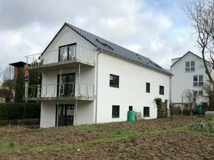 Erstbezug: ansprechende 3-Zimmer-Dachgeschosswohnung mit Luxusausstattung 100qm