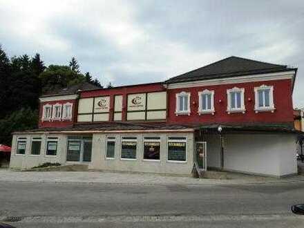 Große Gewerbeeinheit mit schönem Schaufenster mitten in Simbach!