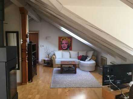 Möblierte gemütliche DG-Wohnung mit Balkon und EBK in Prien am Chiemsee