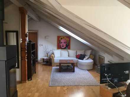 Möblierte gemütliche DG-Wohnung mit Balkon und EBK in Prien am Chiemsee in Seenähe