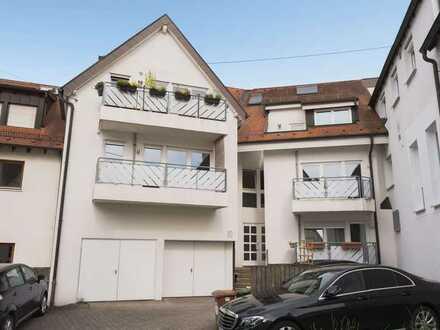 Gut geschnittene bezugsfreie 3-Zimmer Wohnung mit 2 Balkonen