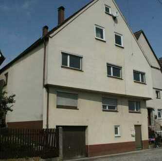 Rohdiamant !!!! 2 Familienhaus mit geräumigen Dachgeschoß