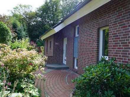 Schöne Doppelhaushälfte mit großem Garten und sechs Zimmern in Kiel, Hasseldieksdamm