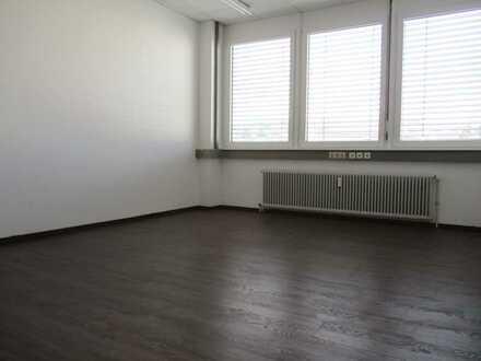 Schöne kleine Bürofläche mit Fernblick ab 23 m² ++ Provisionsfrei