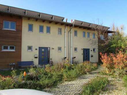 Niedrigenergiehaus in Top-Lage mit Garage und Garten!