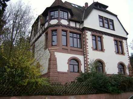 Residieren in einer historischen Villa - top saniert! EG Wohnung