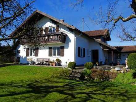Geräumiges Einfamilienhaus in Alleinlage mit Blick auf den Hohenpeißenberg