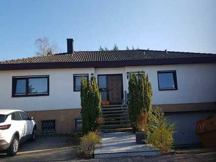 Gepflegtes Einfamilienhaus mit fünf Zimmern und EBK in Göttschied, Idar-Oberstein