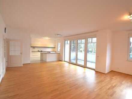 Neuwertiges Luxus-Appartement in zentraler Lage von Königstein!