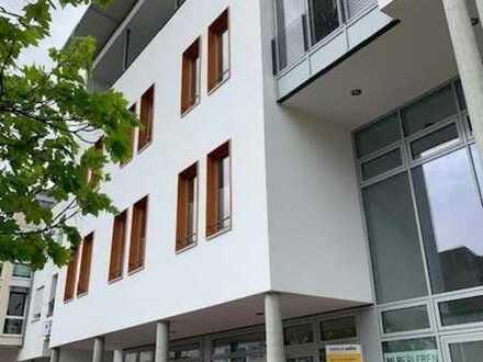 Hochwertiges Ladenlokal oder Büro in modernem Geschäftshaus - 123 qm