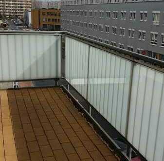 Bes. 12.10.2021, 16:00 Uhr Helle Mitte, 3 Zimmer mit großem Balkon, Fußbodenheizung und EBK