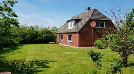 Lage! Lage! Lage! Ferienhaus mit zwei Wohnungen in Westerhever