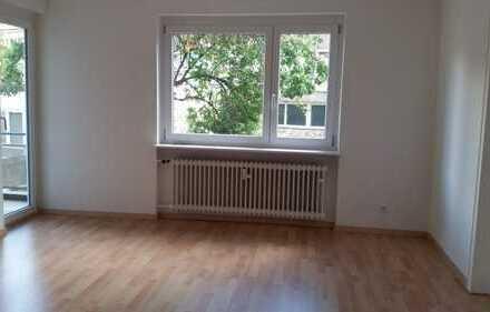 Renovierte 2-Zimmer-EG-Wohnung mit Süd-Balkon